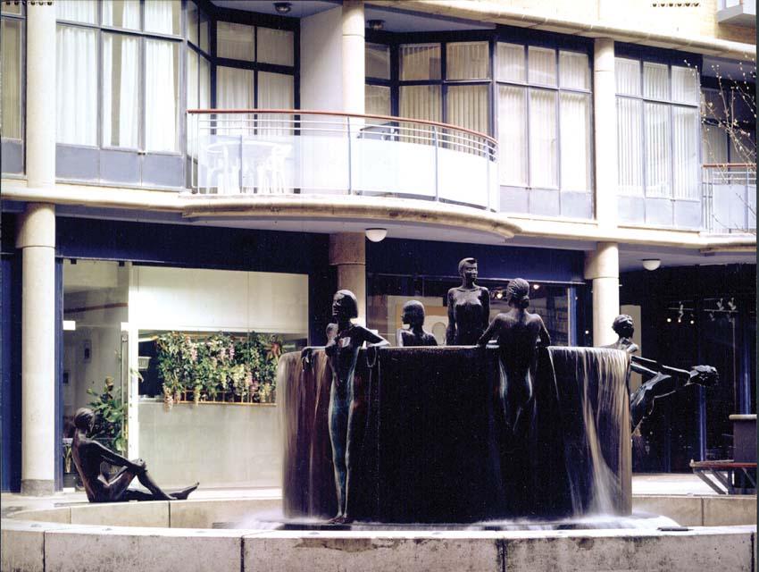 Bronze fountain, Artist: Antony Donaldson