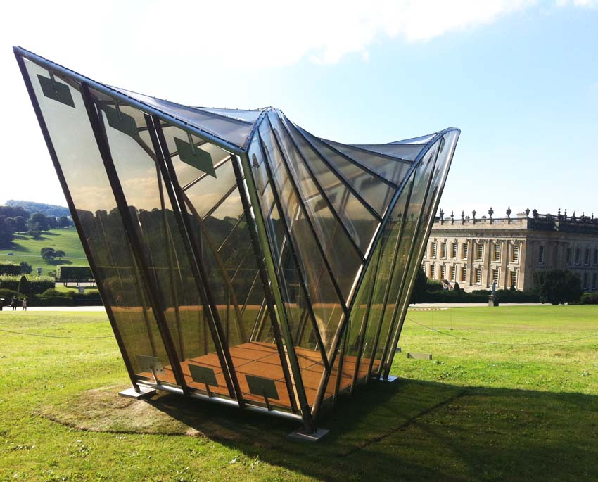 Thomas Heatherwick Pavilion restored and installed at Chatsworth.